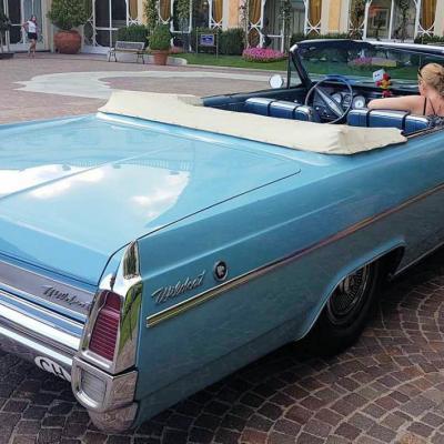 Bleu comme ... cette Buick à Stresa (Lac Majeur)