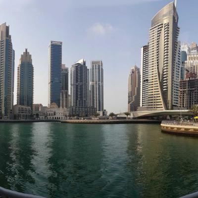 la Marina walk, paysage urbain pas habituel !