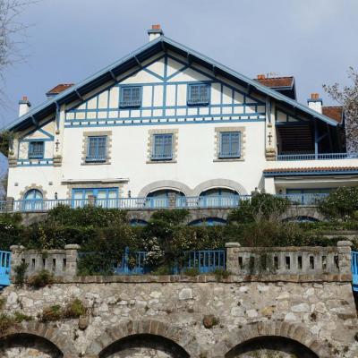 Bleu comme ... cette maison basque de Getxo (proche Bilbao)