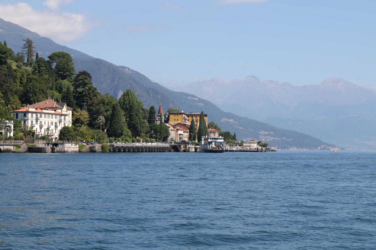 Tremezzo face à Bellagio sur la rive ouest