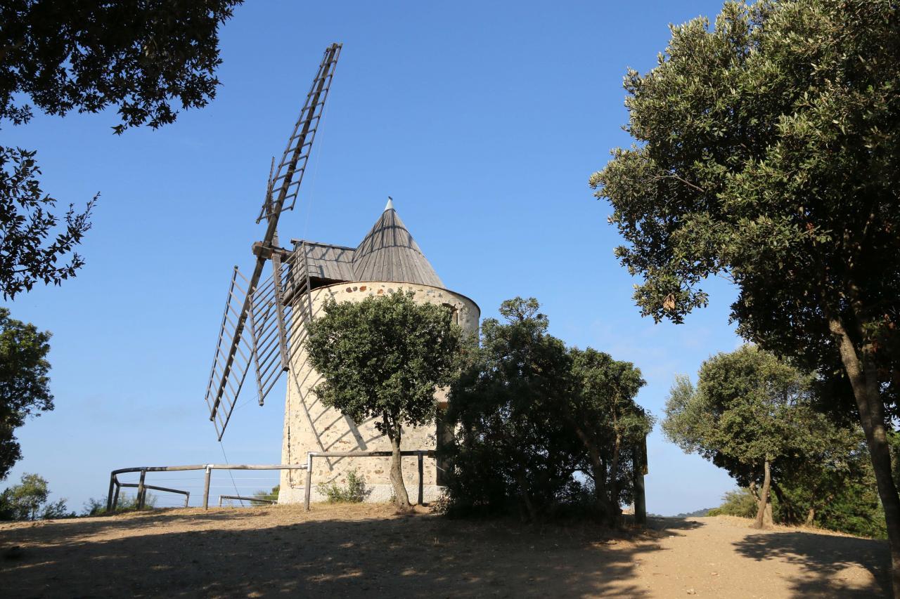Porquerolles le paradis sur terre - Le port du moulin champtoceaux ...