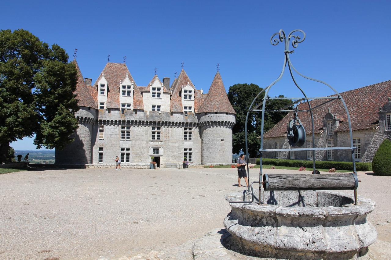 Château MONBAZILLAC classé monument historique