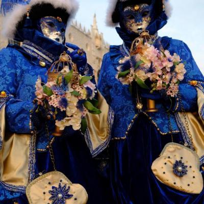 Bleu comme ... ces costumes au carnaval de Venise 2018