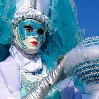 Bleu comme ... ce masque au carnaval de Venise 2018 et le ciel bleu !