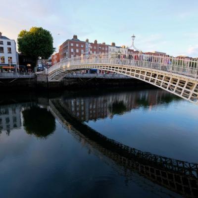 ce célèbre pont en fonte de Dublin fête aujourd'hui ses deux cents ans