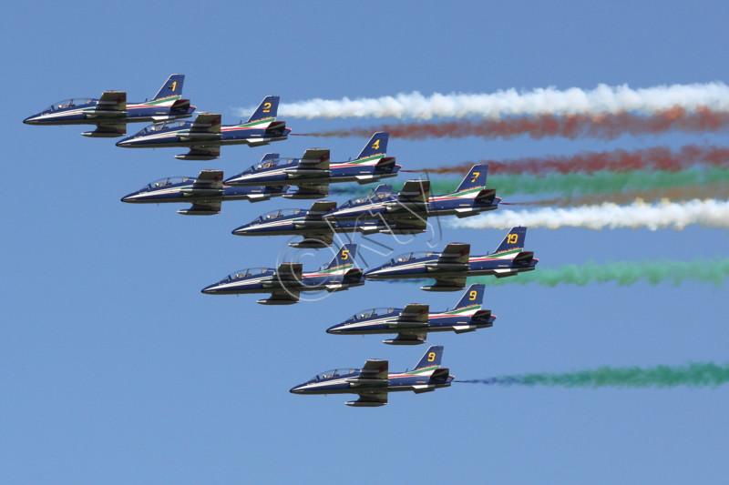 L'italie rend hommage a la patrouille de France