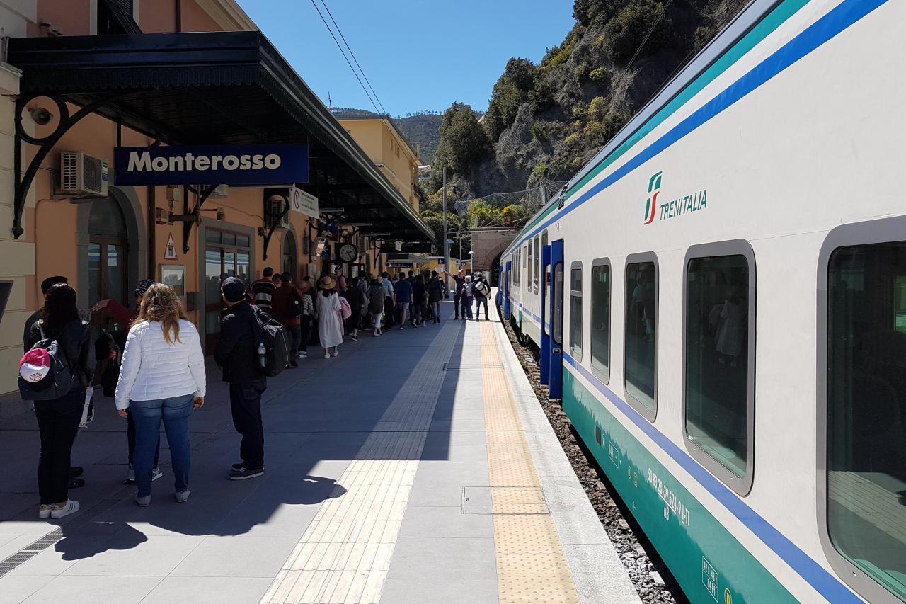 une carte permet devoyager de façon illimitée sur les trains régionaux
