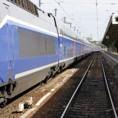 Bleu comme ... un Tgv en gare de Lyon