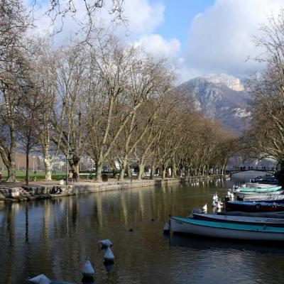 Le canal du Vassé  avec le Pont des Amours au fond