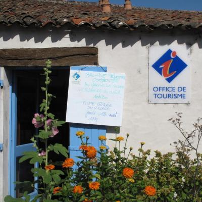 Bleu comme ... l'office de tourisme de Mortagne (Charente Maritime)