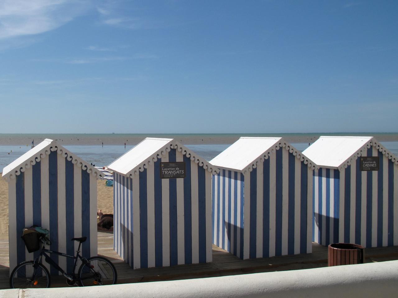 Bleu comme ....Les cabanes de plage à Chatelaillon (La Rochelle)