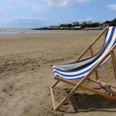 Bleu comme ... le transat sur la plage de Pontaillac à Royan