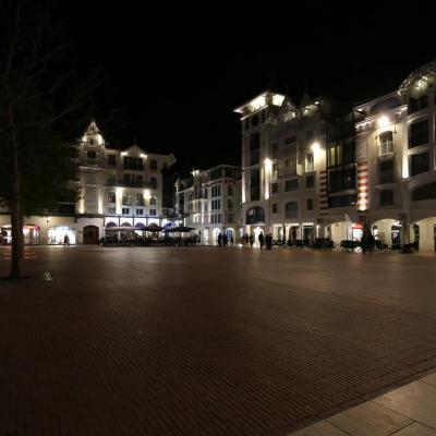 Arcachon belle ville de jour comme de nuit