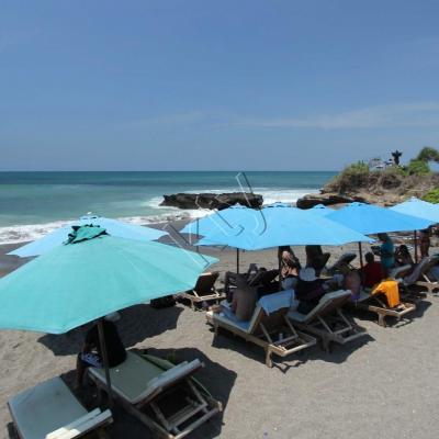 La plage de Batu Bolong (Canggu) très prisée par les surfers