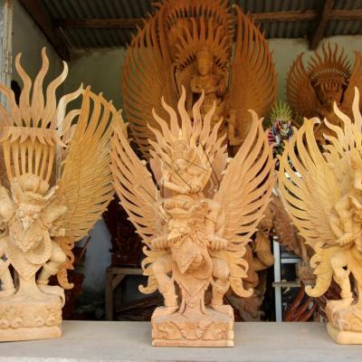 le Garouda, créature divine, mi-homme, mi-aigle