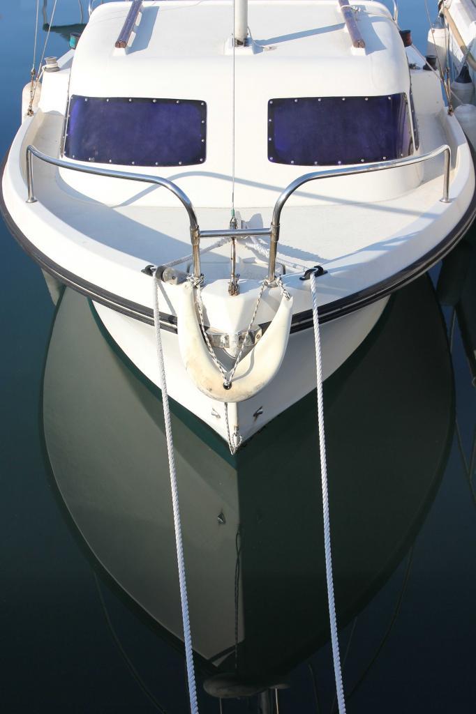 Bleu comme ... ce reflet au port de la Salis (Antibes)