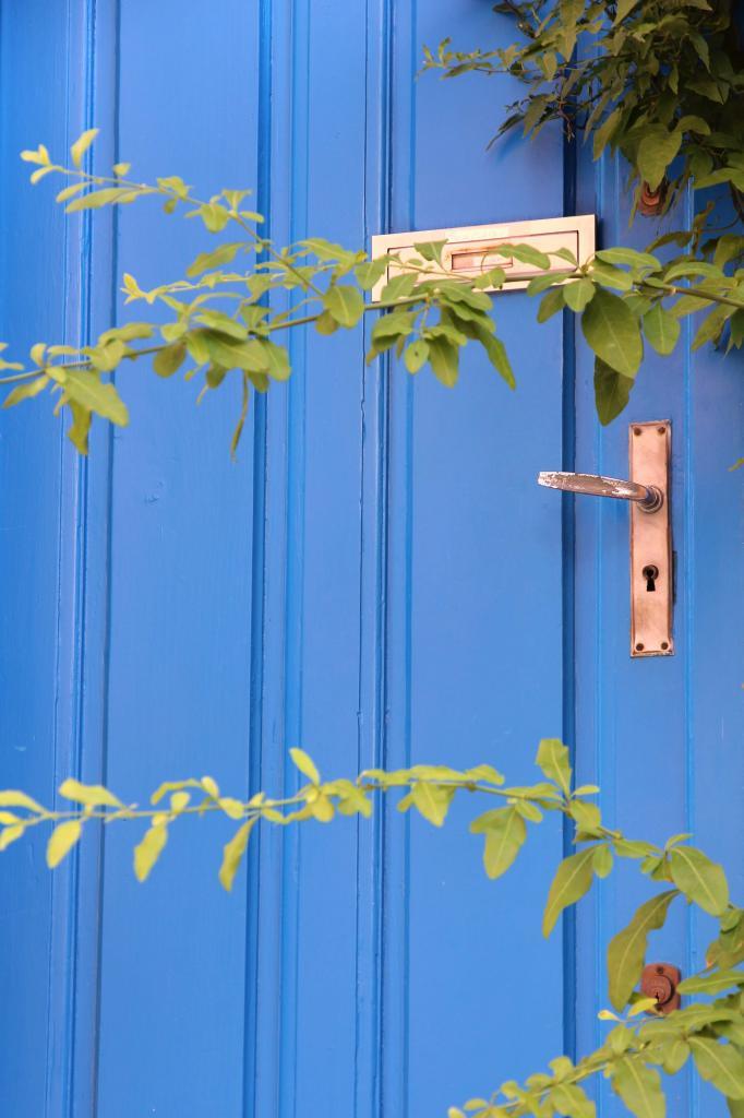 Bleu comme ... les portes colorées de Collioure