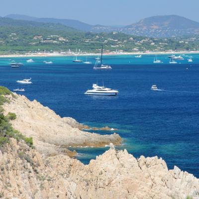 Cap Camarat dominant la presqu'île de Saint-Tropez