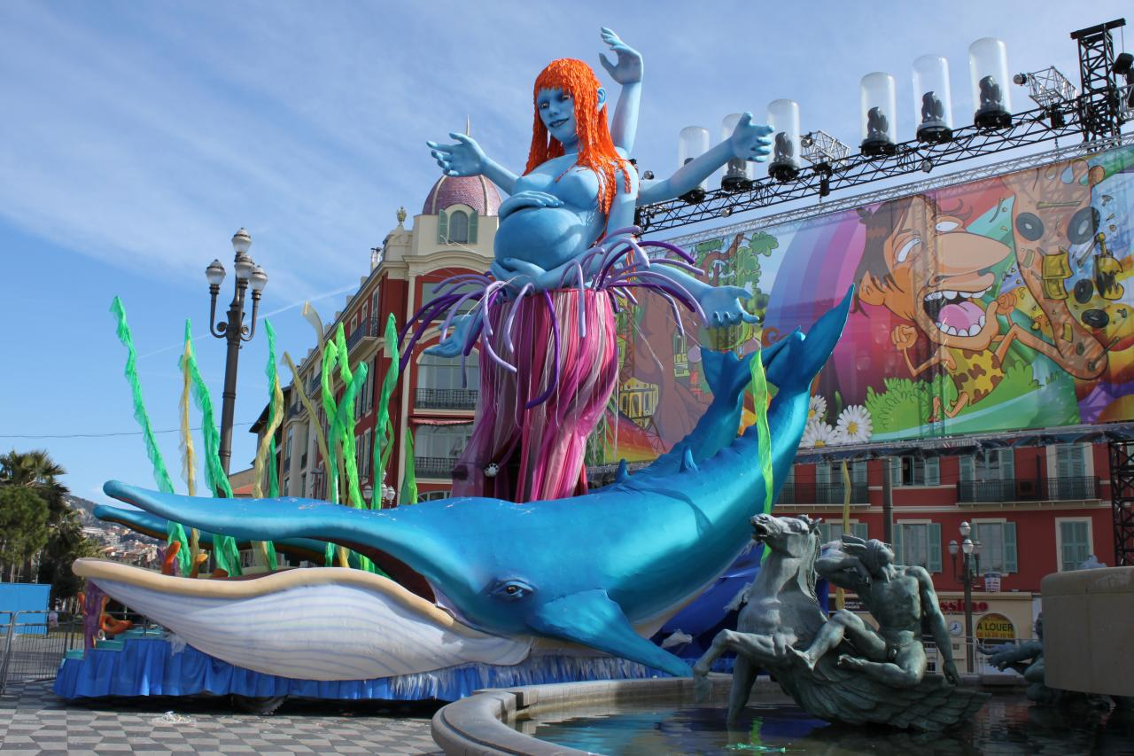 Bleu comme ... le Roi de la Planète bleue au carnaval de Nice