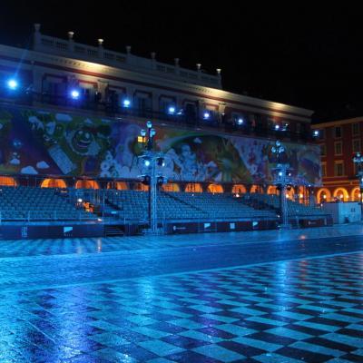 Bleu comme ... la place Massena lors du carnaval de Nice