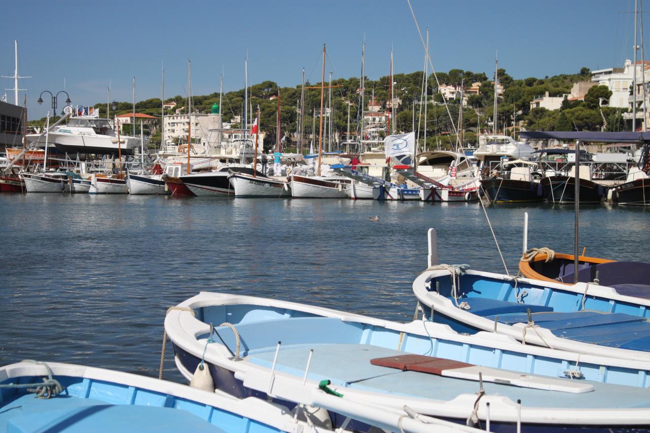 Bleu comme ... les barques de Cassis