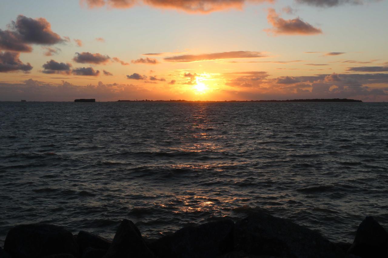 Coucher de soleil sur l'île d'Aix vu de Fouras