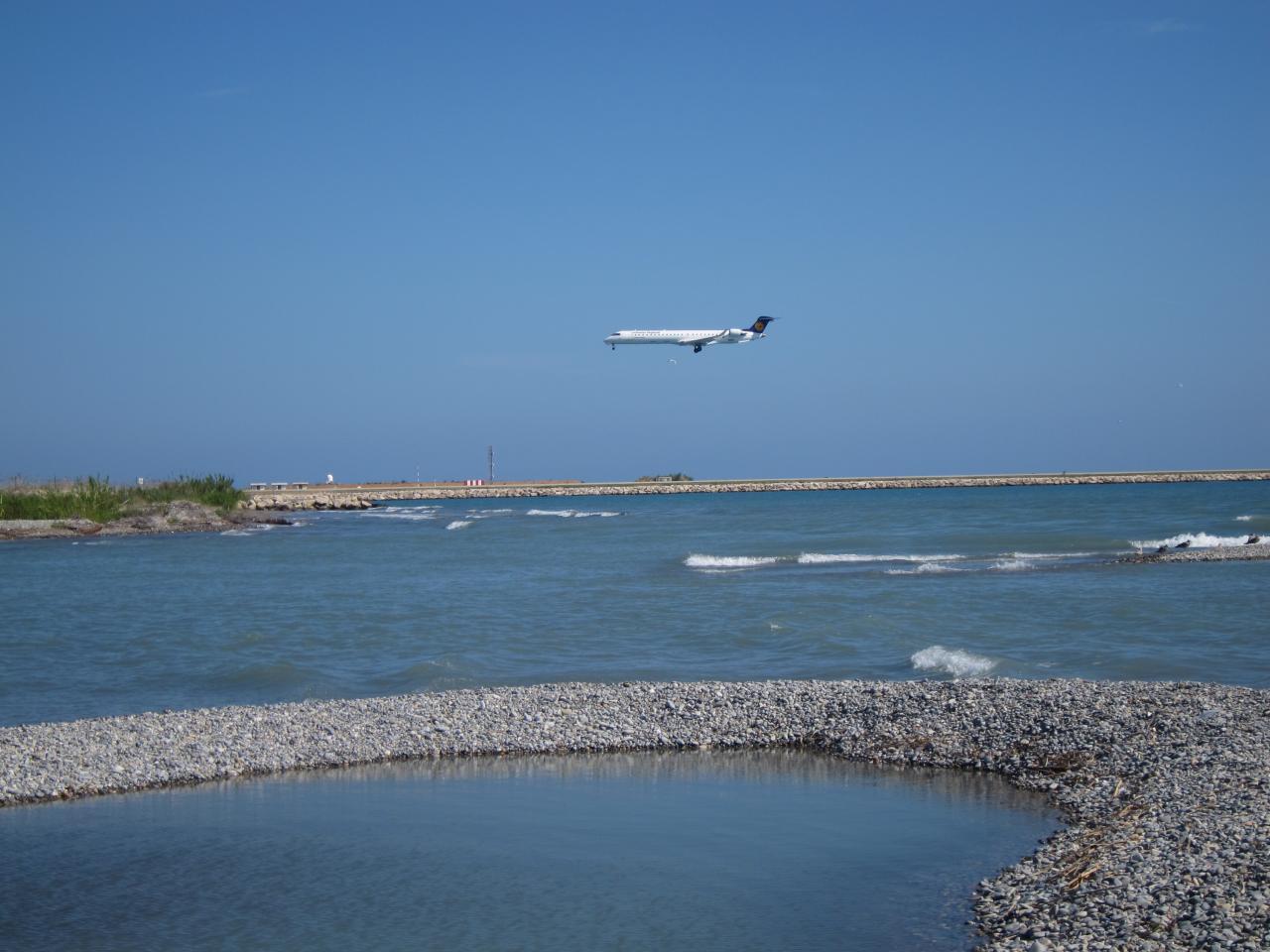 Bleu comme ... les abords de l'aéroport de Nice