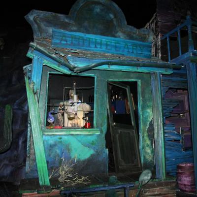 Bleu comme ... La maison hantée de Disneyland