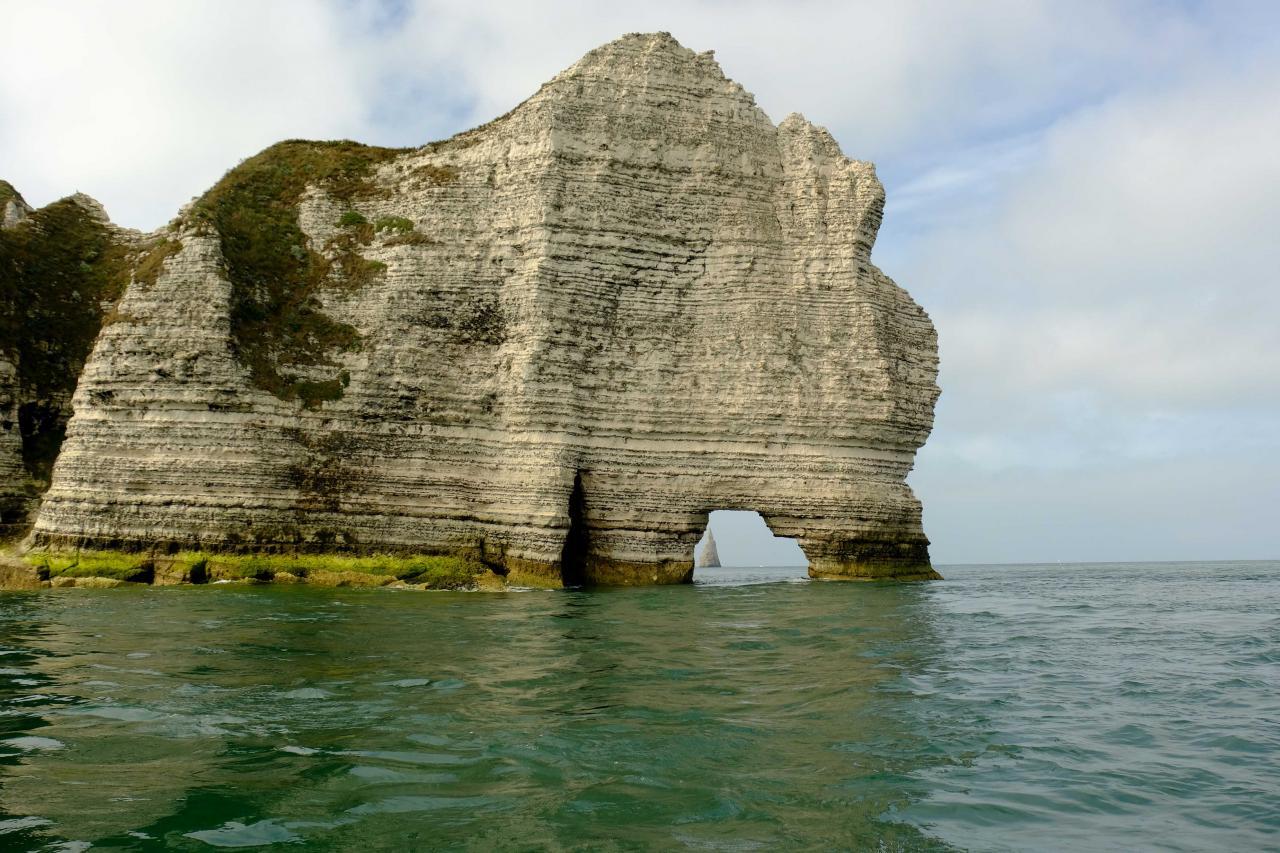 l'aiguille creuse dans le trou de l'arche d'Amont, merci le skipper !