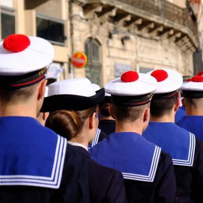 Bleu comme ... la tenue des marins en préparation militaire à Sète