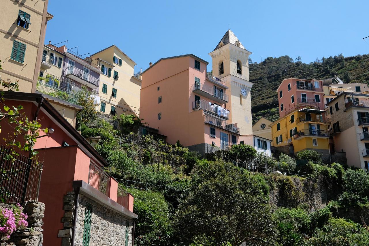 L'église San Lorenzo domine le petit village