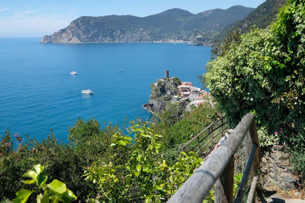 en vue, la pointe de Vernazza, on entame la descente