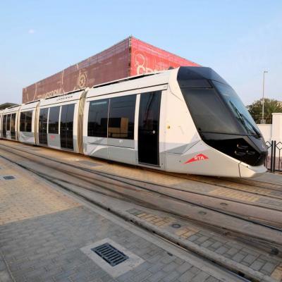 dernière station du tram sur la Jumeirah beach road, le bus prend le relai