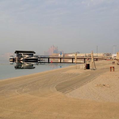 la plage de l'hôtel sur la palme avec en fond l'hôtel Atlantis