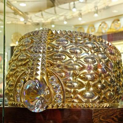 cet anneau de 21 carats pèse 64 kg et vaut 3 millions de dollars américains