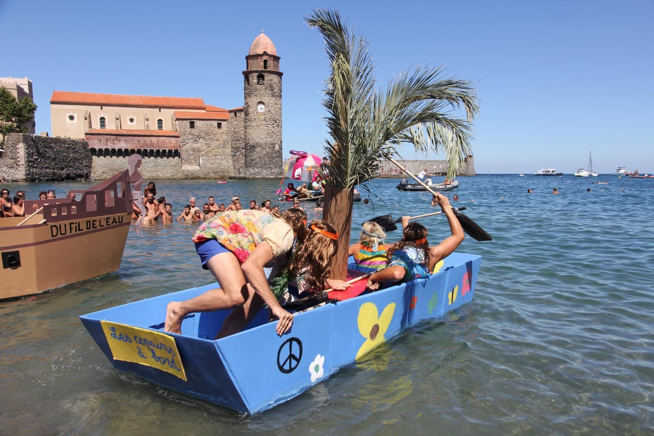 bleu comme ... l'embarcation en carton à Collioure