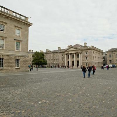 et la plus ancienne université de Dublin