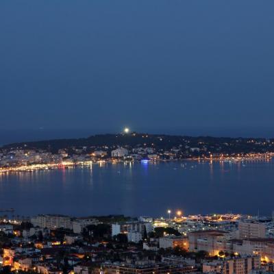 Bleu comme ... la nuit qui tombe sur le Cap d'Antibes