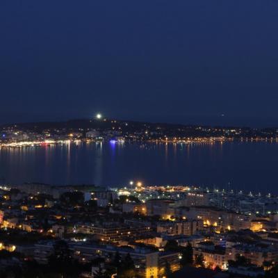 Bleu comme ... la nuit tombée sur le cap d'Antibes