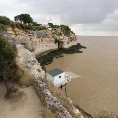 Point de vue des grottes sur l'estuaire et la presqu'île de Talmont
