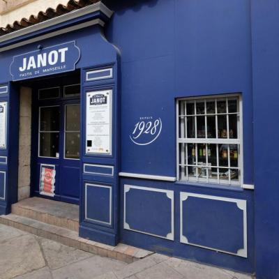 Bleu comme ... la maison Janot de Marseille, toute une variété de pastis ...