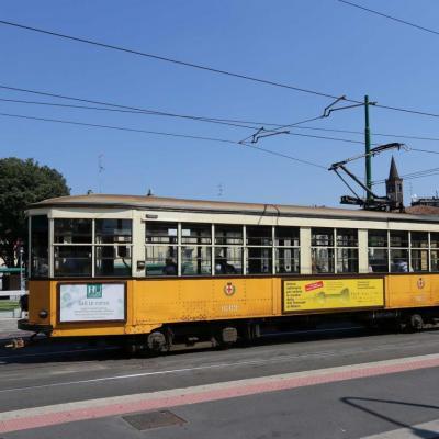 les tramways de Milan sont de vraies pièces de musée ... qui roulent !!!