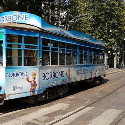 Bleu comme ... ce tramway authentique de Milan