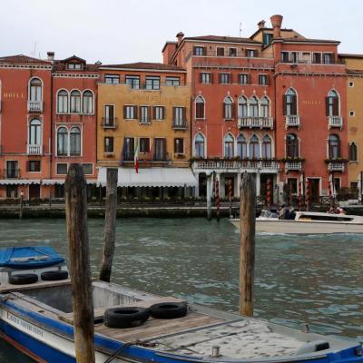 A la recherche de mon hôtel près du grand canal et la Riva Di Biasio