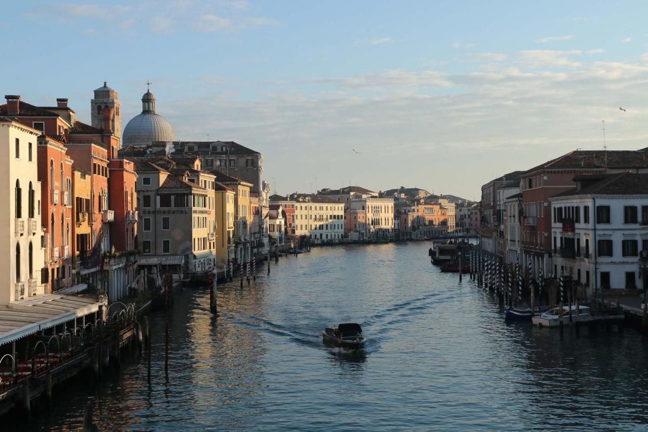 vue du pont Scalzi, près de mon hôtel (quartier Santa Croce)