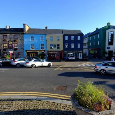 Clifden, à l'ouest de Galway, petite ville colorée et bien vivante