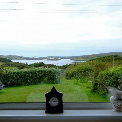 une belle maison d'hôtes bien conçue avec une vue magnifique