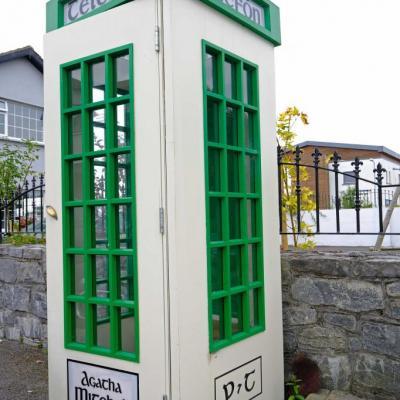 rare cabine téléphonique irlandaise