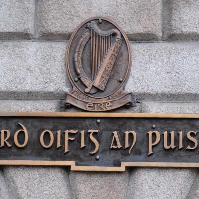 Avec le trèfle à 3 feuilles et le mouton, la harpe est l'emblème irlandais
