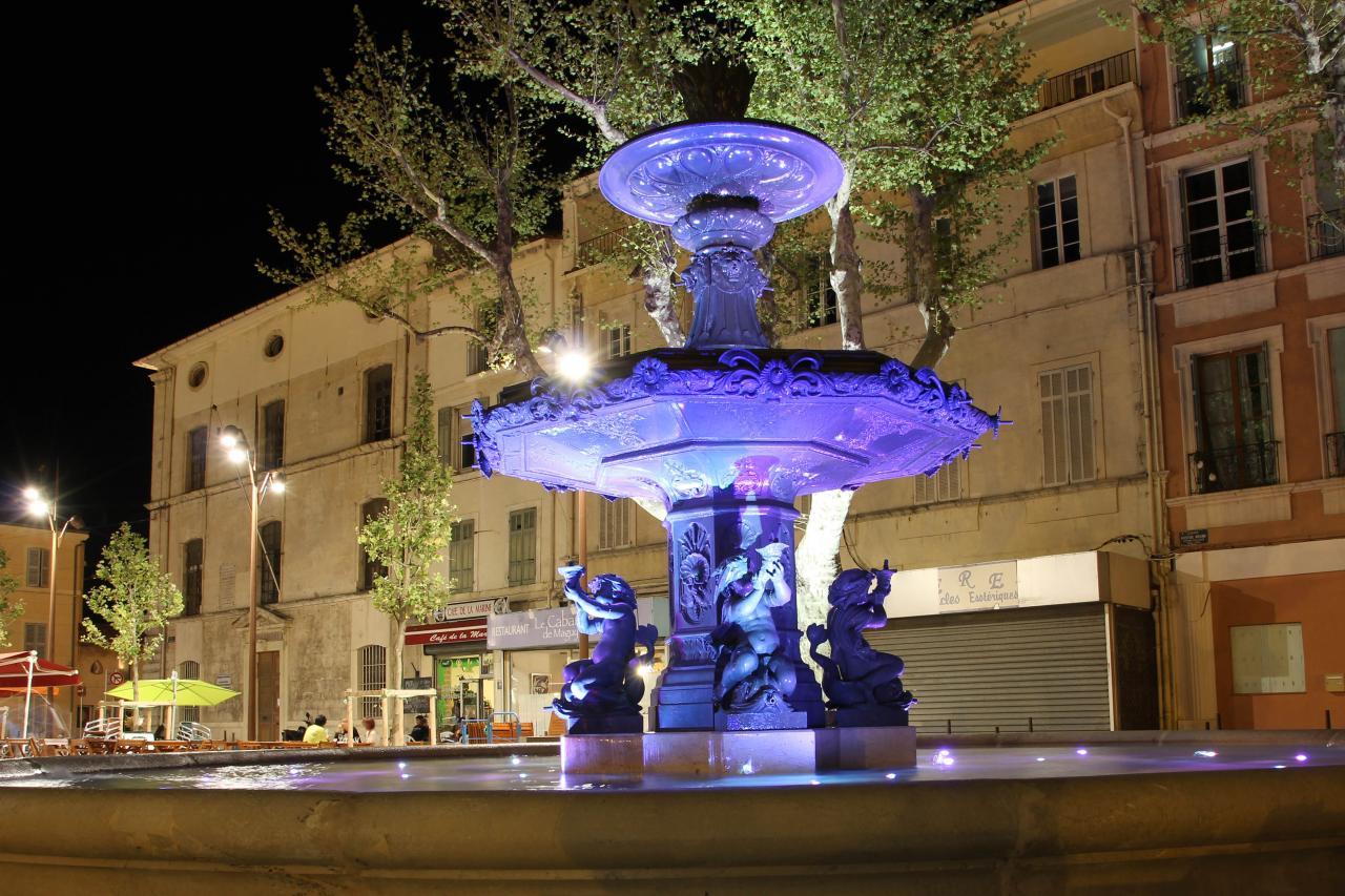 bleu comme ... la fontaine de Martigues